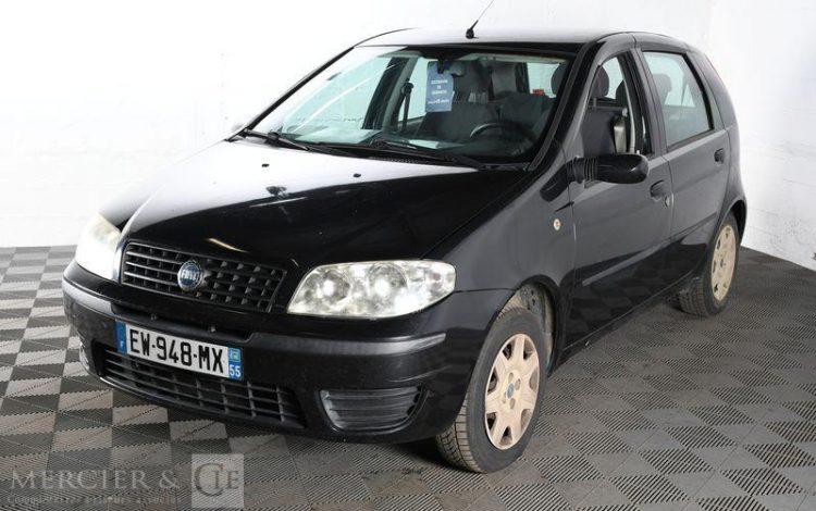 FIAT PUNTO GRIS EW-948-MX