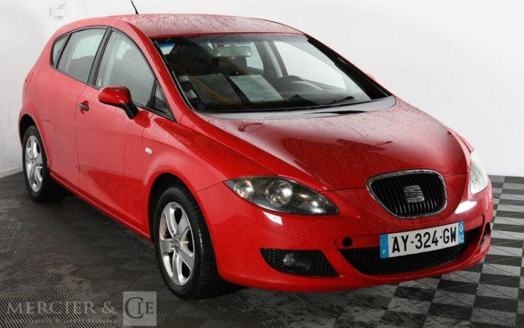 SEAT LEON 1,9 TDI 90CH REFERENCE ROUGE AY-324-GW