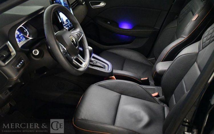 RENAULT CLIO INITIALE PARIS TCE 130 EDC NOIR FM-068-HA