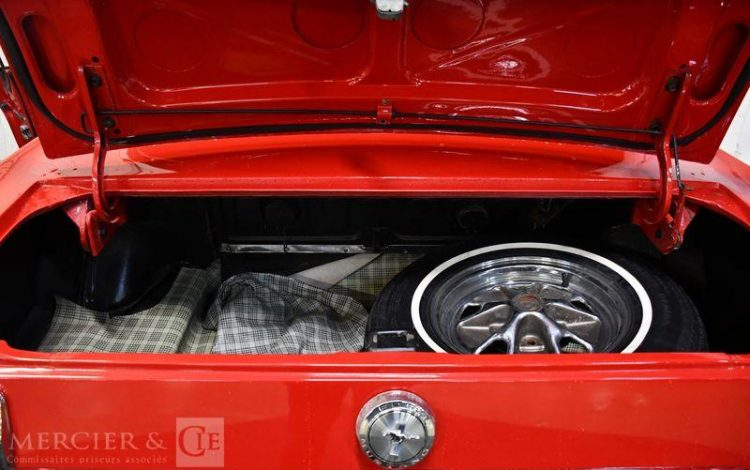 FORD MUSTANG FASTBACK V8 289 ci ROUGE 344211