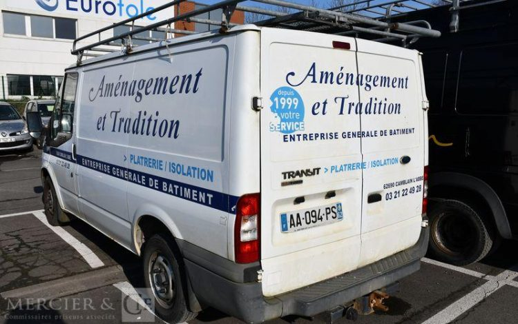 FORD TRANSIT FOURGON  AA-094-PS
