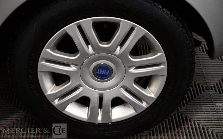 FIAT IDEA 1,4 16V EMOTION GRIS CA-041-GM