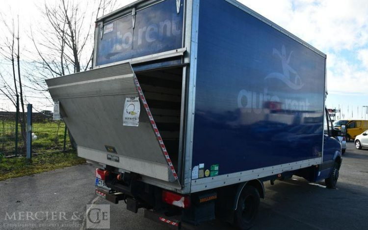 MERCEDES SPRINTER CHASSIS CAB. LONG BLEU CY-840-RG