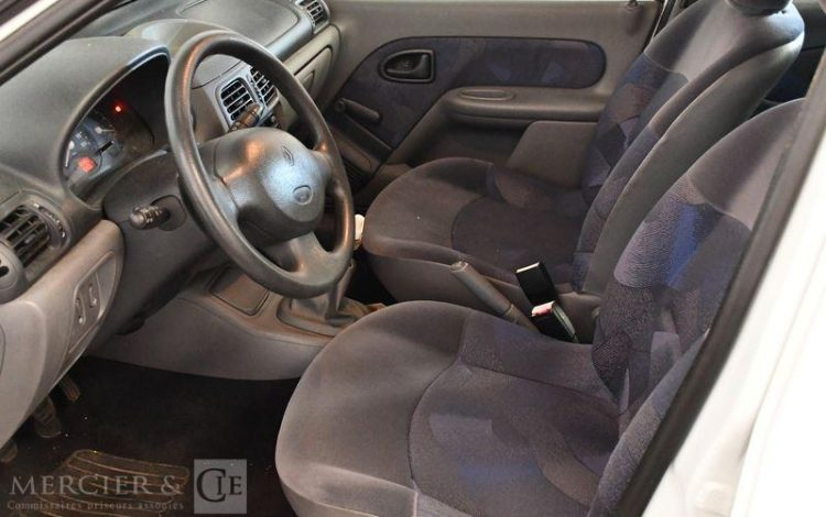 RENAULT CLIO II ESS / GAZ 5PTES  3831SK62