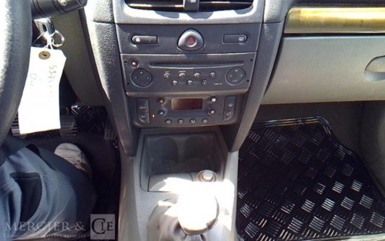 RENAULT CLIO 1,4 BLANC 5974XY13
