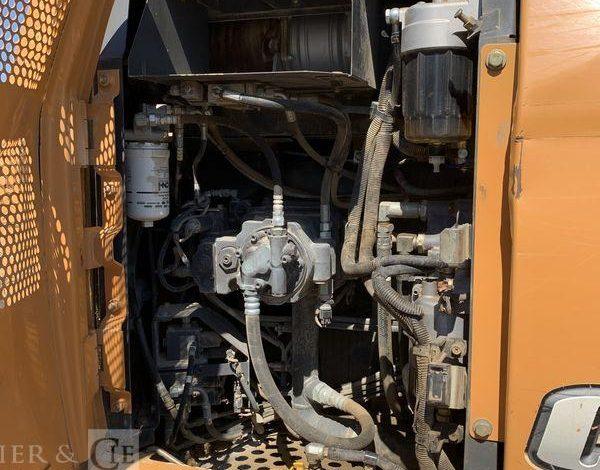 CASE PELLE SUR CHENILLES CX130C-5503 HEURES – AN 2014  6D1329