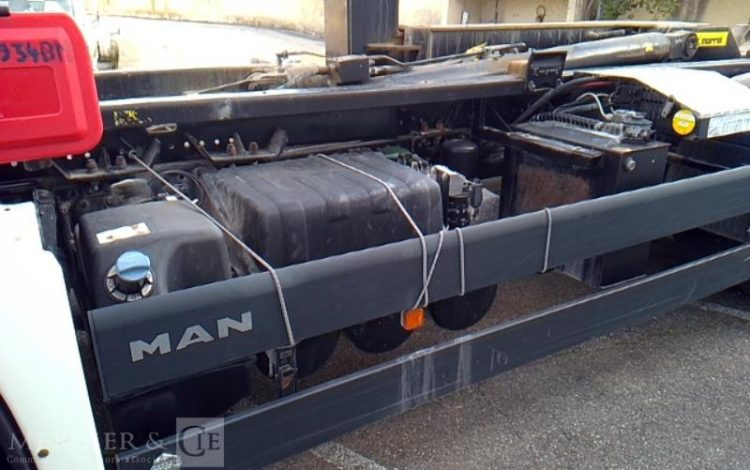 MAN AMPLIROLL TGS 26.440 26T BENNE BLANC DM-934-BM