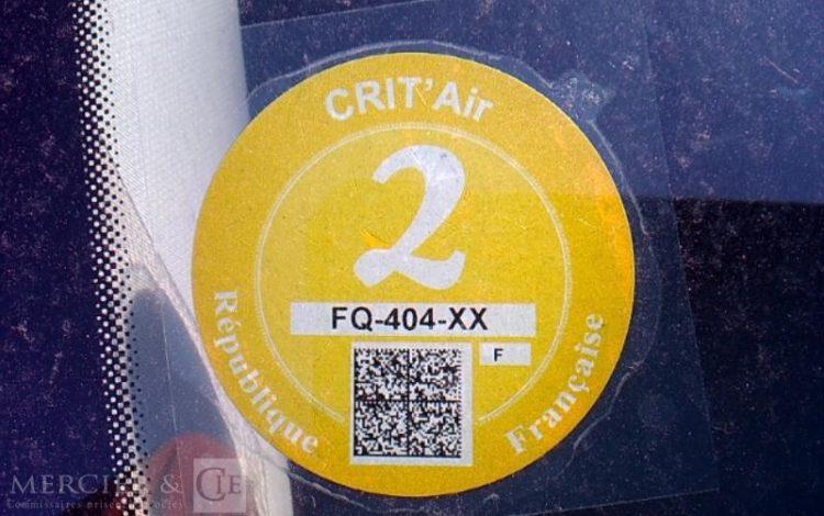 RENAULT CLIO ZEN BLUE DCI 85 ROUGE FQ-404-XX