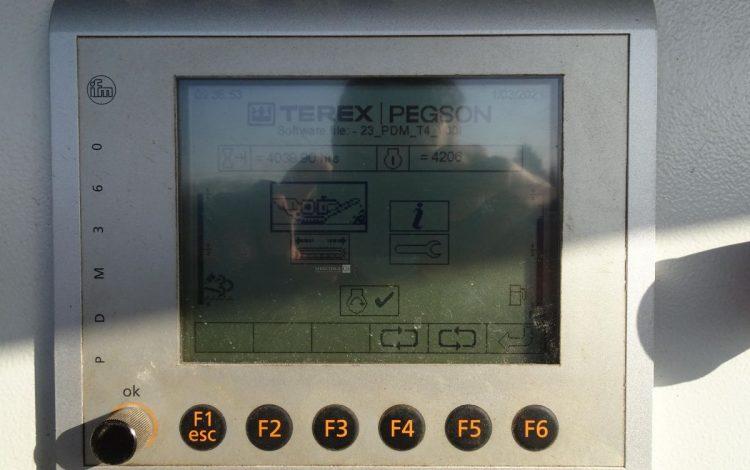 TEREX CONCASSEUR A PERCUSSION HORIZONTAL TEREX POWERSCREEN XH 320 DE 2011 VERT HX320