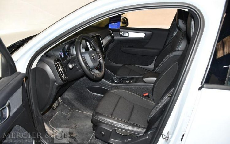 VOLVO XC STE 40 D3 GEARTRONIC BLANC FT-903-MW