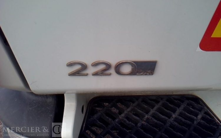 RENAULT MIDLUM 220,12 HAYON PTAC12T BLANC CS-129-NQ