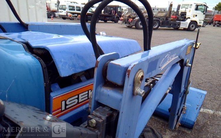ISEKI TRACTEUR AGRICOLE TM 3240 – AN 2011 – 621 HEURES BLEU TM3240